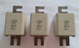 P40V10 / P40U10/ késes biztosíték
